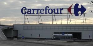 Carrefour a deschis, mai devreme cu o zi, primul hipermarket la Timișoara
