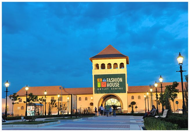 fashion house outlet