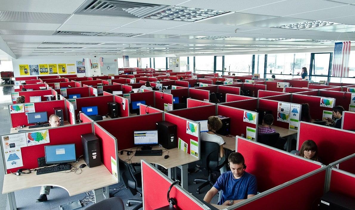 Angajati birouri CGS