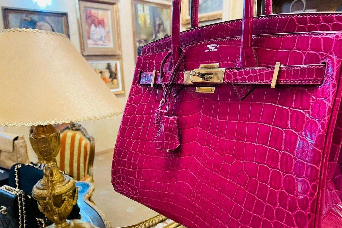 Birkin 30, geantă Hermès, din piele de crocodil, de culoare Scheherazade Pink