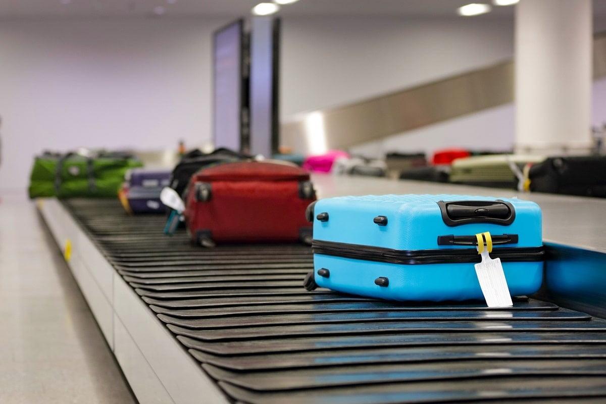turisti bagaj aeroport