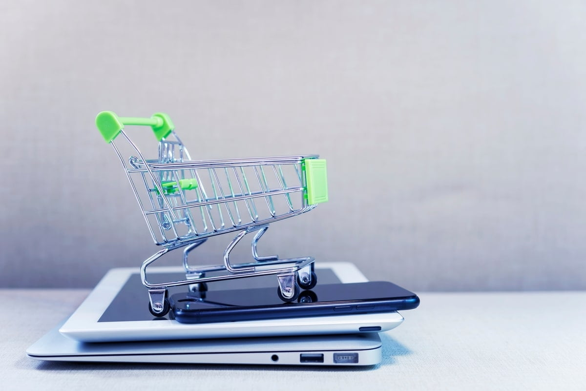 cumparaturi online social media