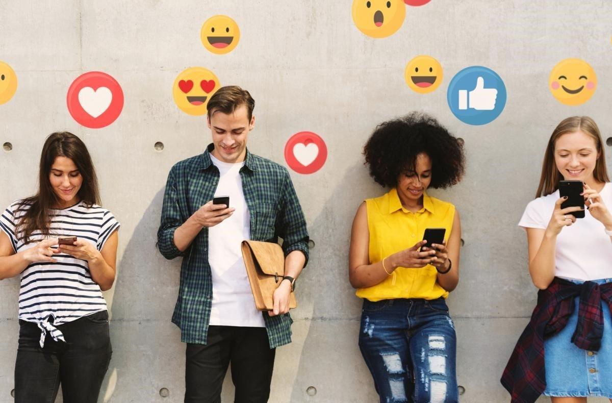 utilizatori retele sociale