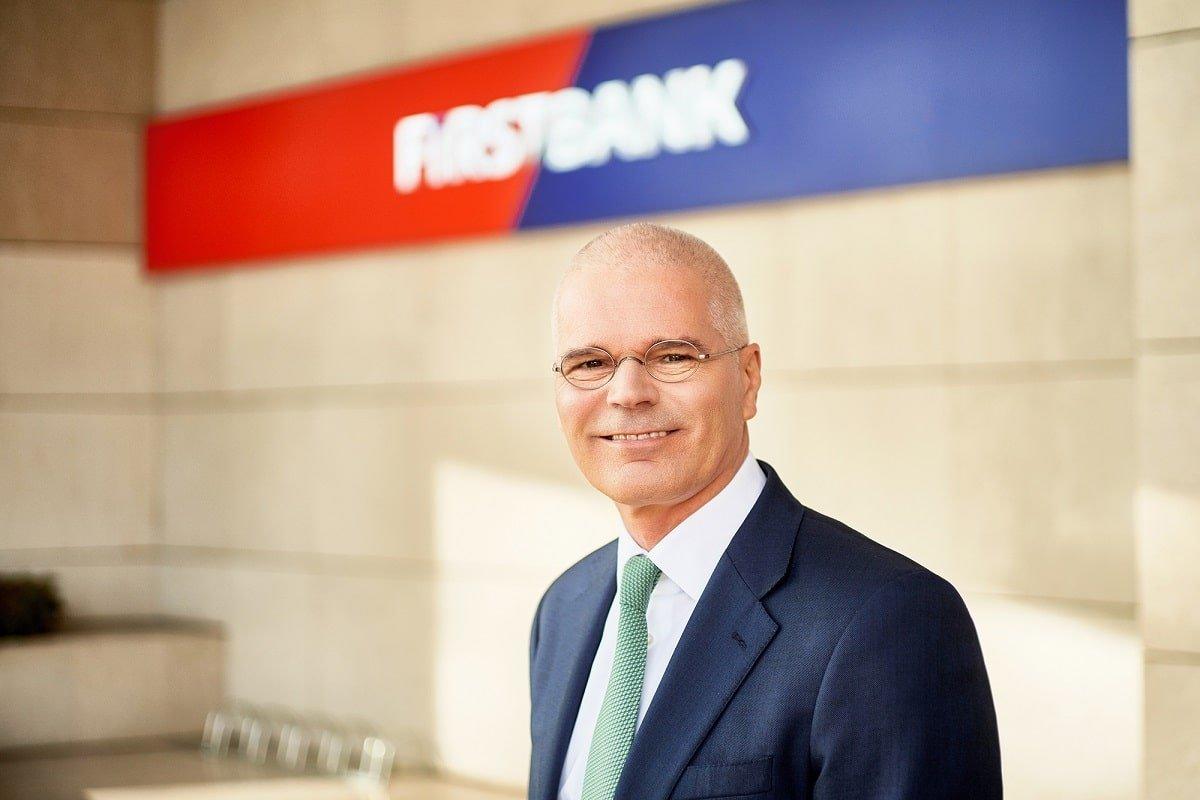 Henk Paardekooper CEO First Bank
